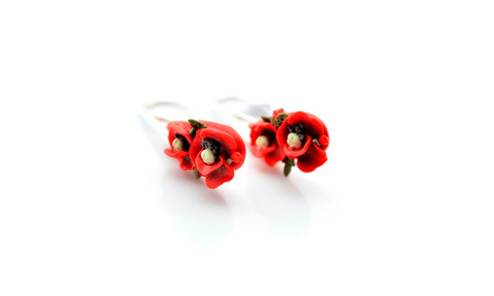 Povestea florilor de mac
